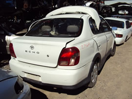 2002 TOYOTA ECHO 4 DOOR SEDAN STD MODEL 1.5L MT FWD COLOR WHITE Z14628
