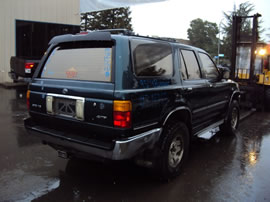 1995 TOYOTA 4RUNNER SR5 MODEL 3.0L V6 AT 4X4 COLOR GREEN  Z14767
