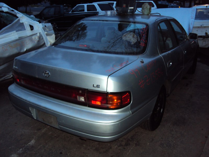 1994 TOYOTA CAMRY 4 DOOR SEDAN LE MODEL 2.2L AT FWD COLOR SILVER Z13586