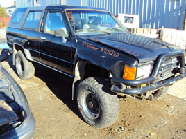 1984 TOYOTA 4 RUNNER, MANUAL TRANSMISSION, BLACK, STK:T09272