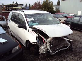 2004 TOYOTA SIENNA CE MODEL  3.3L AT FWD COLOR WHITE STK # Z11211