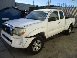 2005 TOYOTA TACOMA PRERUNNER WHITE XTRA CAB 4.0L MT 2WD Z16487