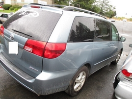 2005 TOYOTA SIENNA LE SKY BLUE 3.3L AT 2WD Z15085