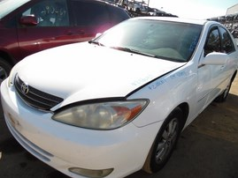 2004 TOYOTA CAMRY XLE WHITE 2.4L AT Z18057
