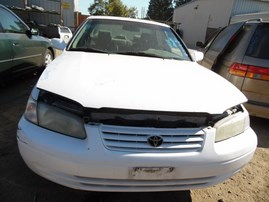 1997 TOYOTA CAMRY LE WHITE 2.2L AT Z17908