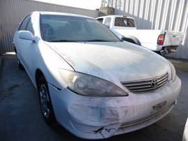2005 TOYOTA CAMRY LE WHITE 2.4L AT Z17995