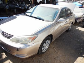 2002 TOYOTA CAMRY LE GOLD 2.4 AT Z19765