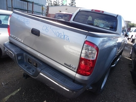 2006 TOYOTA TUNDRA DOUBLE CAB SILVER SR5 4.7L AT 2WD Z17675