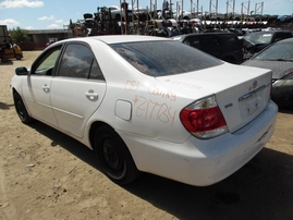 2005 TOYOTA CAMRY LE WHITE 2.4L AT Z17734