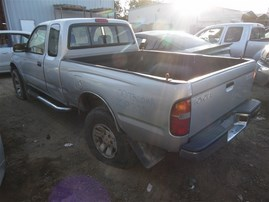 2000 TOYOTA TACOMA SR5 XTRA CAB SILVER 3.4 AT 2WD Z19825