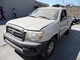 2005 TOYOTA TACOMA STANDARD CAB SILVER 2.7 MT 2WD Z20032