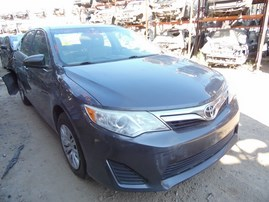 2012 TOYOTA CAMRY LE GRAY 2.5L AT Z18258