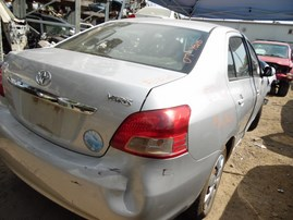 2007 TOYOTA YARIS BASE SILVER 1.5L AT Z18261