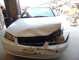 2001 TOYOTA CAMRY LE WHITE 2.2L AT Z18270